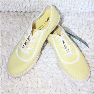 Size 8 Toms  Yellow canvas lace up shoes  New